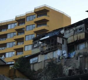 Chile, menos pobreza y la misma desigualdad