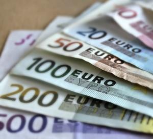 España capta 3.000 millones de euros en bonos con plazo de 50 años