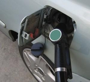 Aumenta 1,9% el precio de la gasolina en México