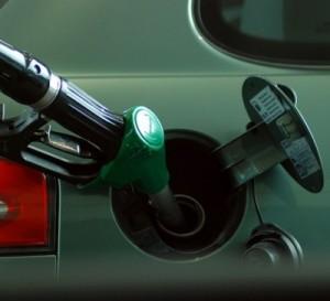 Argentina congela el precio de los combustibles por tres meses