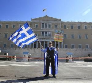 Grecia añade nuevas medidas para conseguir financiamiento