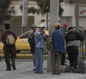 Desempleo en Colombia cae en marzo pero se mantiene en promedio de 10.6%