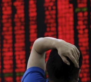 Acciones chinas caen este lunes arrastradas por temores sobre valores tecnológicos