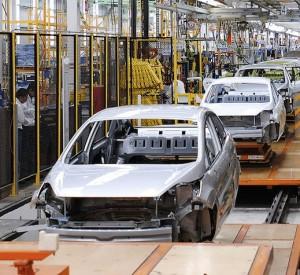 Producción de vehículos alcanza nivel histórico en México