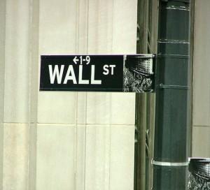 Disminuye el número de operadores de bonos de Wall Street