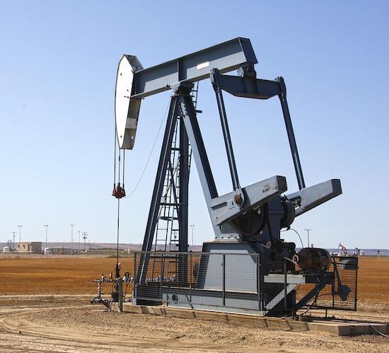 Argelia discute posible extensión del acuerdo de recorte petrolero