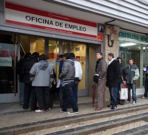 España detecta en siete meses 65.000 empleos irregulares y 700 empresas ficticias