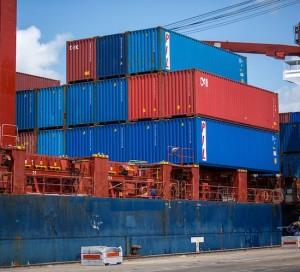 Cae el libre comercio mundial pero crece la economía global. ¿Por qué pasa eso?