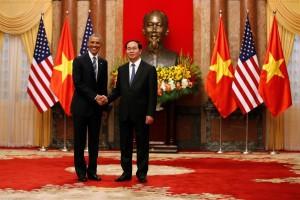 De manera estratégica, Obama levanta embargo de armas a Vietnam