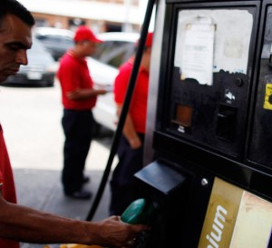 Escasez de gasolina afecta seriamente a Maracaibo, segunda ciudad de Venezuela