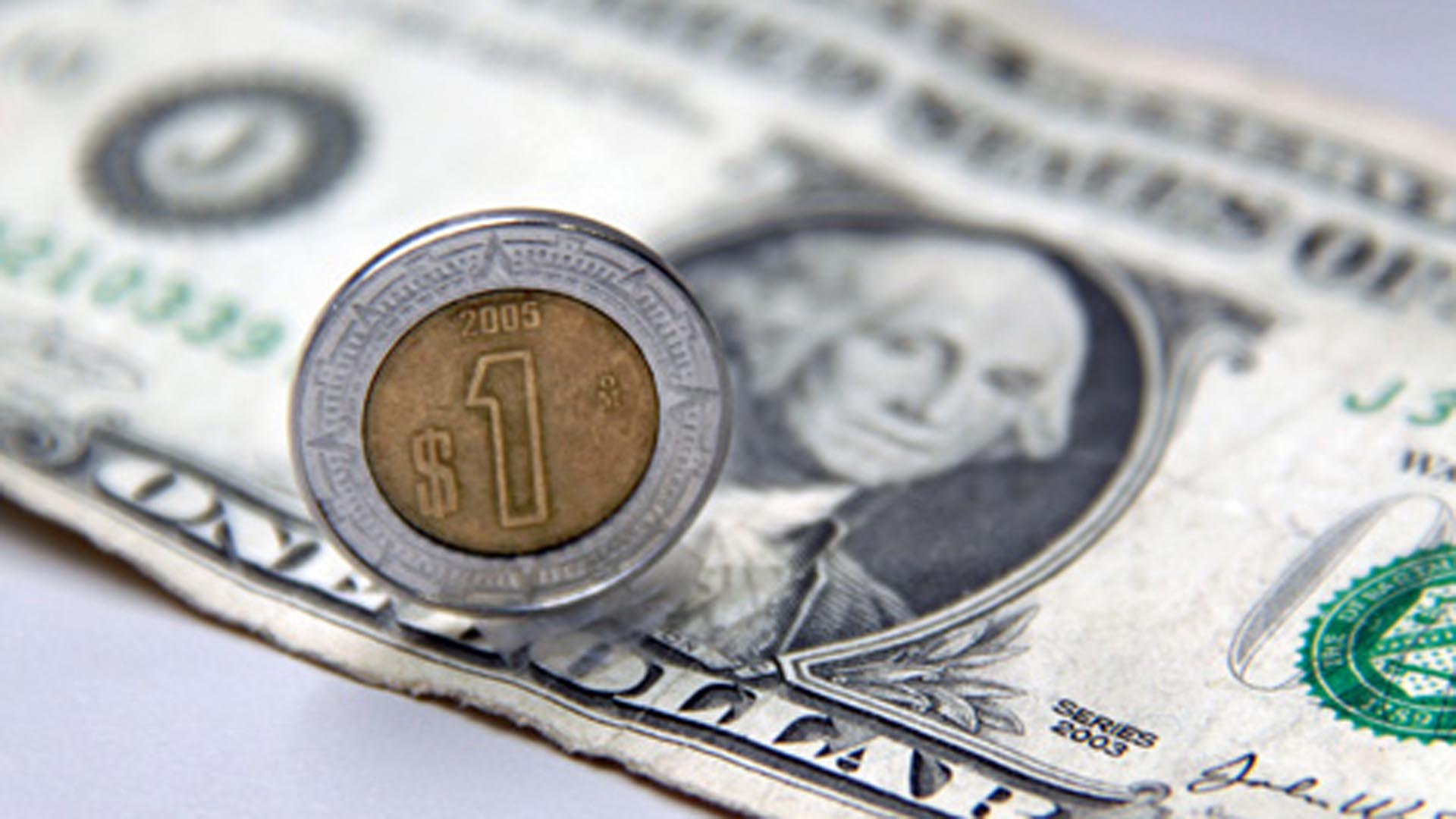 La moneda de México, entre las divisas más depreciadas