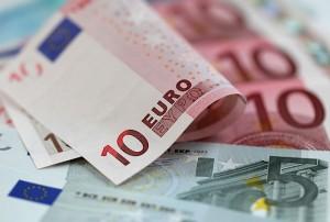 La banca española evalúa  vender bonos, para respetar parámetros de la EBA