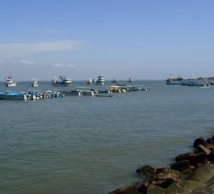 Ecuador contrata la construcción de un puerto de aguas profundas