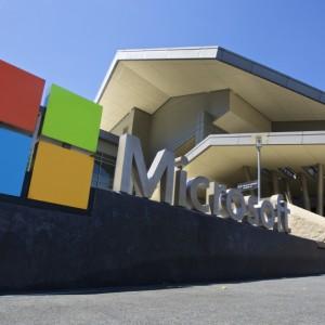 Microsoft anuncia baja de ingresos anuales desde 2009