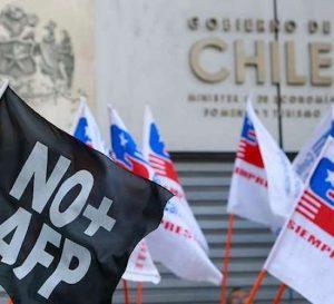Chilenos están descontentos con los fondos de pensiones privados