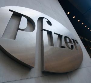 Pfizer fortalece su influencia tras compra de Medivation