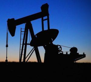 Acuerdo para recortar la producción petrolera: el compromiso está en el aire