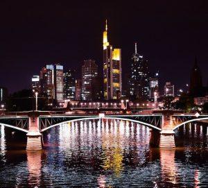 ¿Se mudarán a Frankfurt los bancos londinenses cuando Reino Unido salga de la UE?