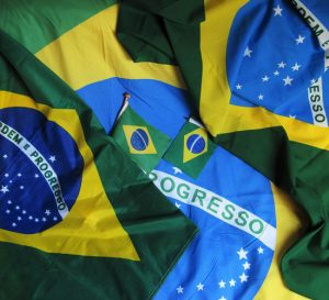 Mejora la producción industrial de Brasil