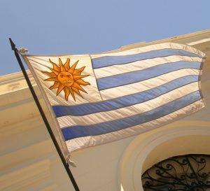 Aumenta producción industrial de Uruguay pero el empleo se mantiene en baja