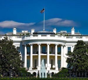 Renuncian dos asesores del consejo de manufactura de la Casa Blanca