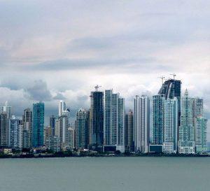 Inversionistas venezolanos evalúan sus opciones al momento de migrar