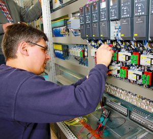 La automatización de la manufactura afecta el empleo en EEUU