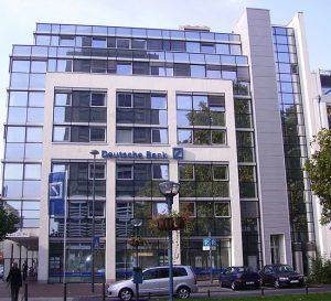 Director del Deutsche Bank quiere poner fin a la época del dinero barato