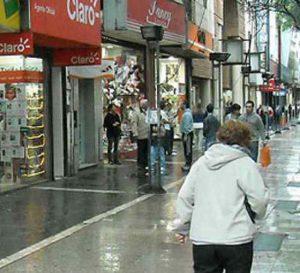 Ventas de comercios minoristas argentinos se redujeron 4,1% este año