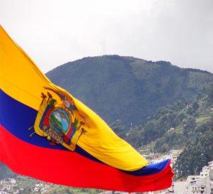 Economía de Ecuador presenta primera caída en la última década