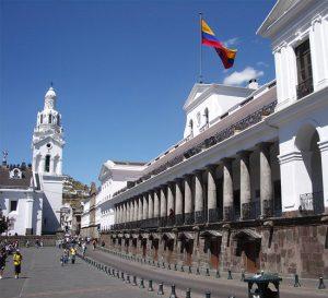 Banco Central del Ecuador reporta baja en obligación de finanzas