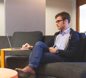 Ocio en la oficina para contentar a los empleados y mejorar su producción