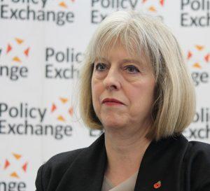 Theresa May ofrece plan post-Brexit para europeos en el Reino Unido