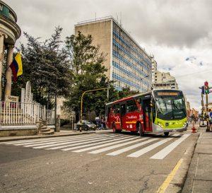 Colombia: Ajuste salarial para servidores públicos reajustado en 6,75%