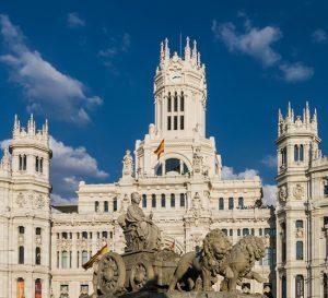 España: previsión del PIB elevada hasta 3% y la tasa de paro rebajada al 17,4% para 2017