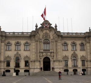 Economía peruana crece 2,4% en segundo trimestre de 2017