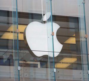 Apple reduce ambiciones de su automóvil autónomo