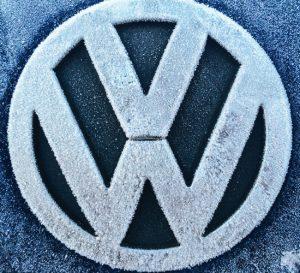 Volkswagen planea opción eléctrica en todos sus modelos para 2030