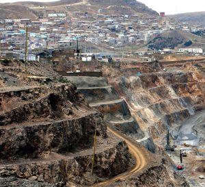 Inversión minera peruana crece a Julio luego tres años de caída