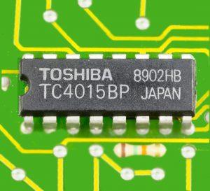 Toshiba concreta acuerdo tentativo para vender unidad de microchip