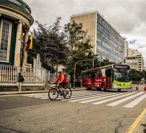 Bogotá atraviesa un mal momento para los sectores de industria y comercio