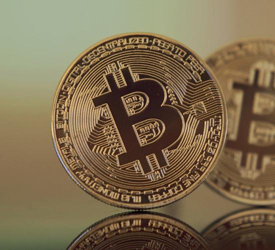 El bitcoin debuta a 18.000$ en el mercado de los futuros