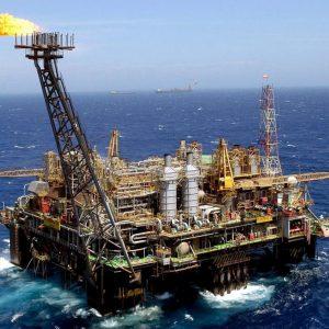 Reservas de petróleo en EEUU caen 5,6 millones de barriles
