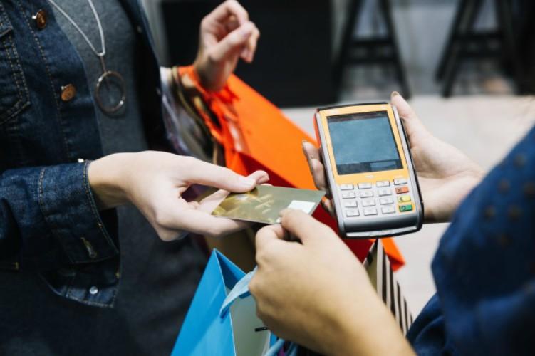 Wallet card, la tarjeta de crédito con pantalla y batería