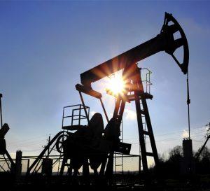 Petróleo alcanza su precio más alto desde 2014