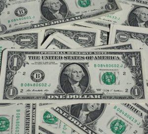 Razones para vender euros y dólares