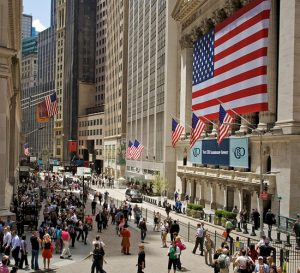 Wall street sube por avance de acciones de minoristas
