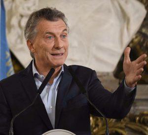 Gobierno de Argentina congela salarios hasta finales de 2019