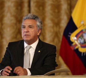 Gobierno de Ecuador anuncia aumento de gasolina y austeridad económica