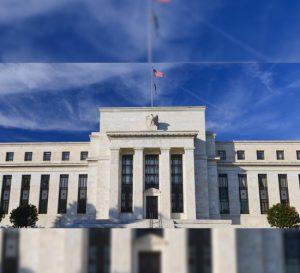 Acciones globales caen ante posible aumento en tasas de Reserva Federal